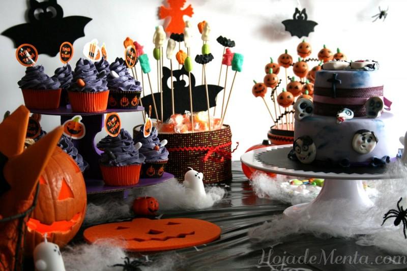 Mesa decorada Halloween para HojadeMenta