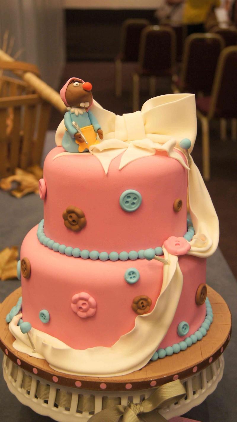 Tarta de ratitas y botones con fondant de fairy cakes virginia en Feria de reposteria Sugar09_2012 por HojadeMenta