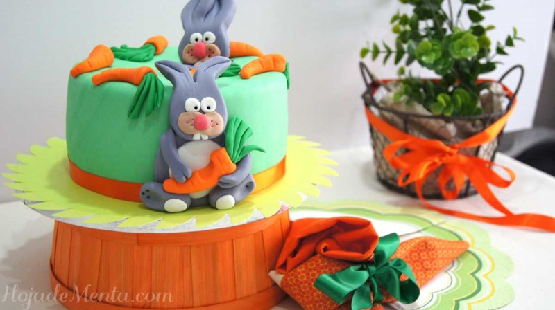 Tarta de zanahorias decoradas con fondant para HojaDeMenta